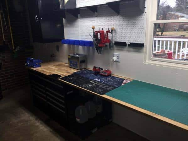 Interior Reloading Bench Design