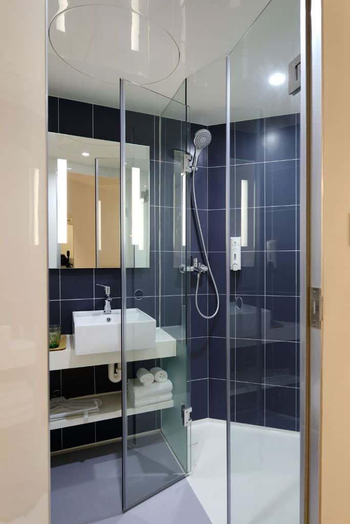 Irregular Shaped Small Shower Ideas 2