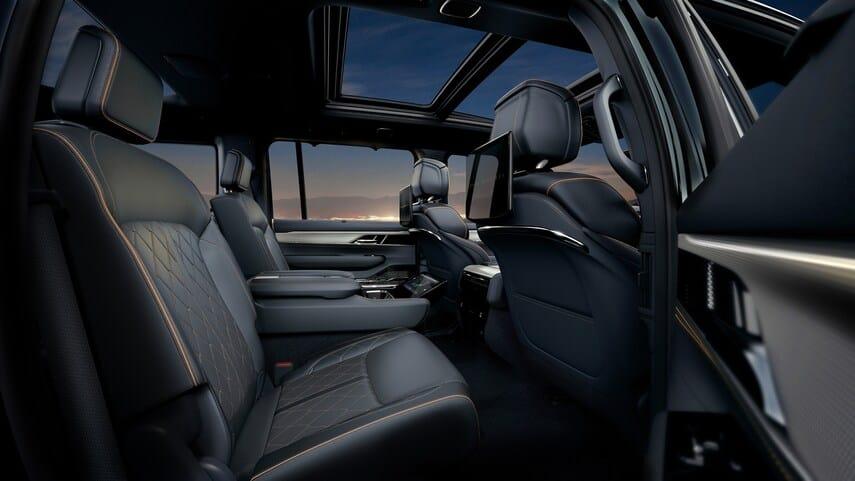 jeep-grand-wagoneer-3