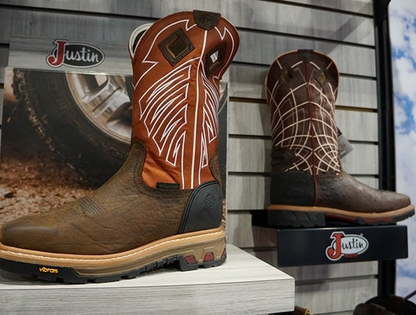 Justin Cowboy Boots For Men Display
