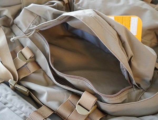 Kelty Eagle Backpack Large Front Pockets Open Unzipped