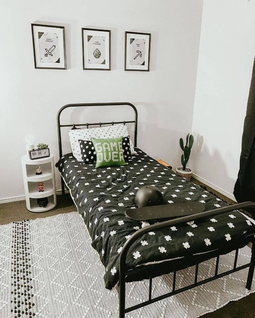 kids and teens black and white bedroom theme itselijahcraft