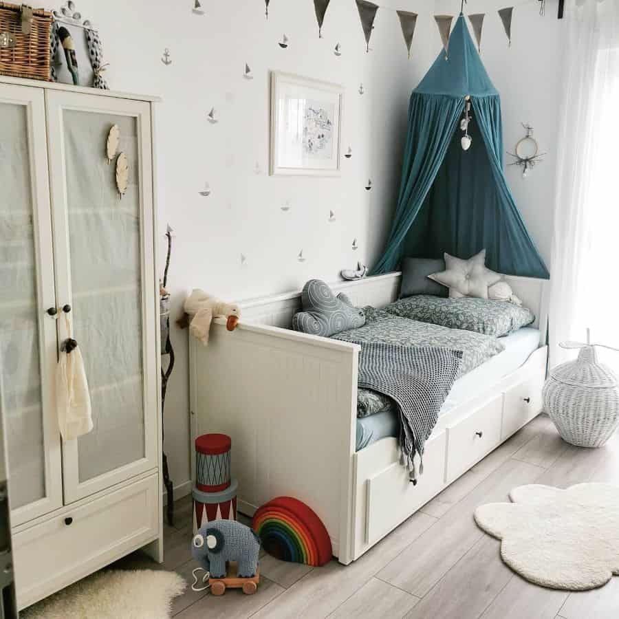 Kids Or Teens Tiny Bedroom Ideas Miri.and.the.little.ones