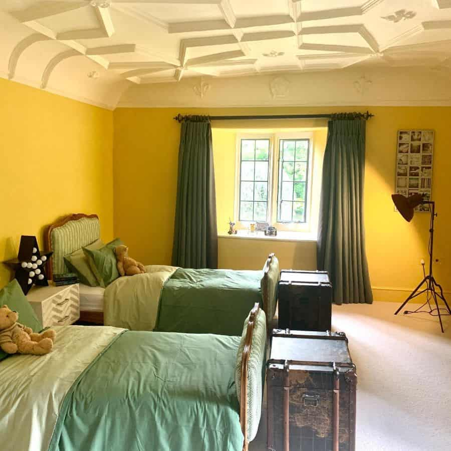 kids yellow bedroom ideas sunny_inside_out_interiors