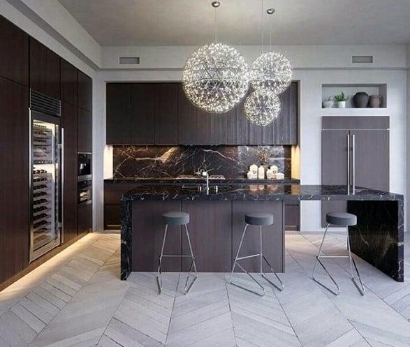 Thiết kế nhà bếp Đá ốp lát đá cẩm thạch đen