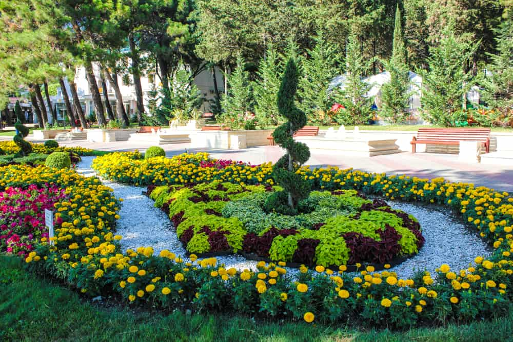 landscaped flower garden ideas 3