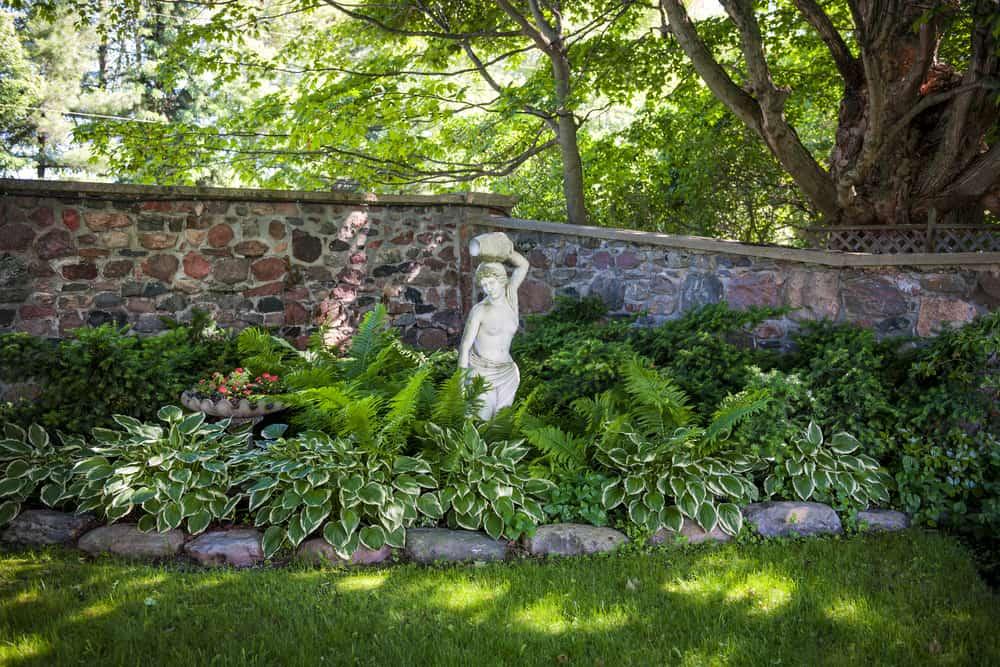 landscaped shade garden ideas 4