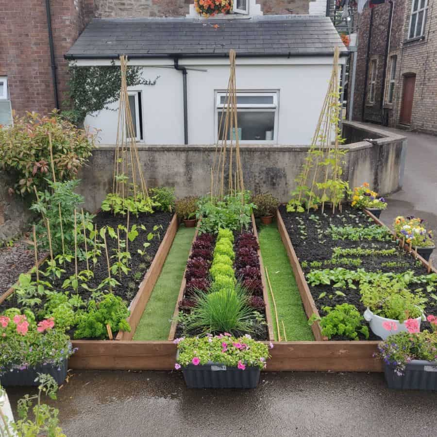 layout raised garden bed ideas robs_real