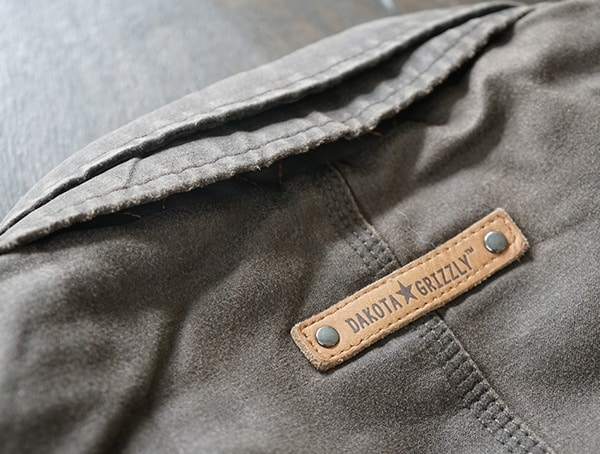 Leather Rivet Detail On Back Of Neck Mens Dakota Grizzly Tripp Travel Coat