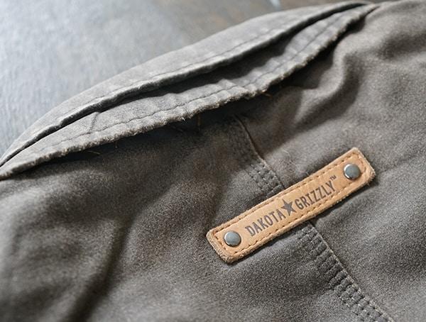 Leather Rivet Detail On Back Of Neck Mens Dakota Grizzly Tripp Travel Coat