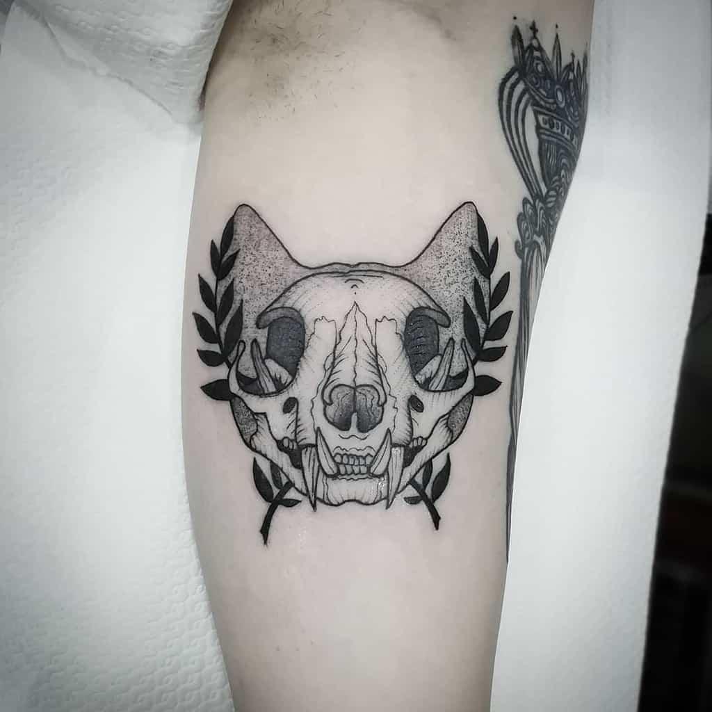 leg cat skull tattoo ciro_cali_tattooer