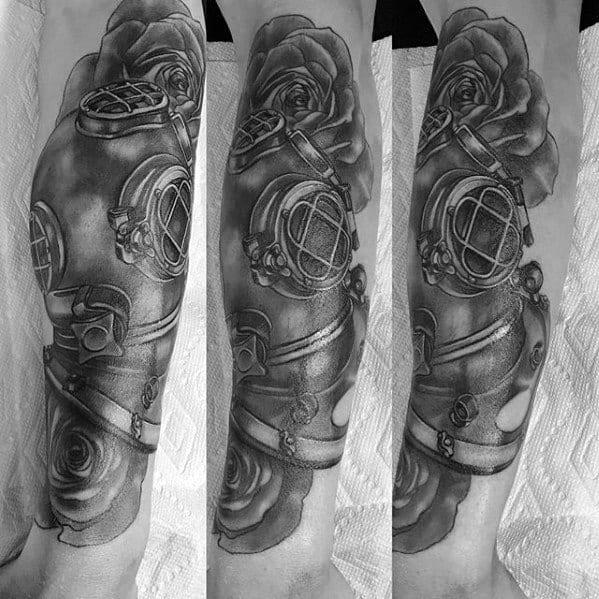 Leg Diving Helmet Tattoo On Men