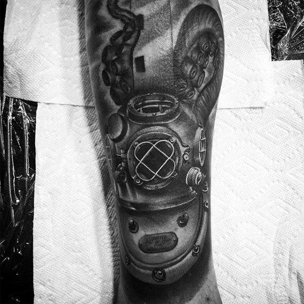 Leg Diving Helmet Tattoos For Gentlemen