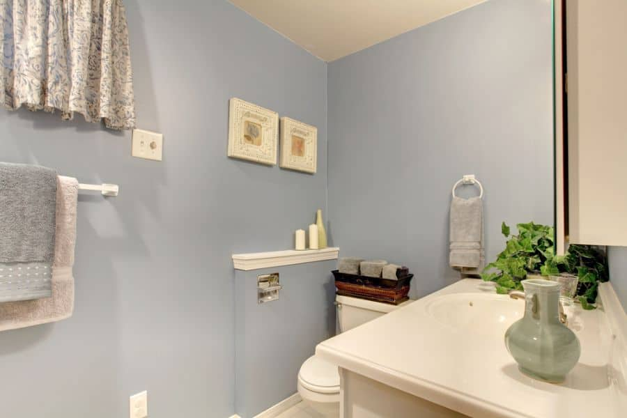Light Color Small Bathroom Paint Ideas 3