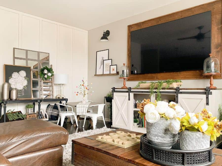 Living Room Modern Farmhouse Decor Survivalofasuburbanmom