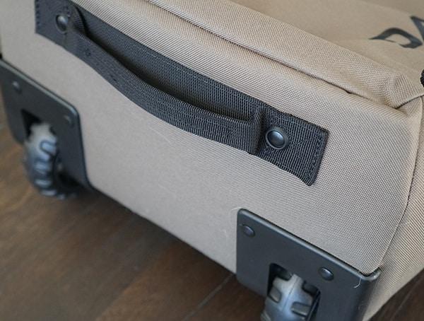 Lockable Pull Handle Dakine Fall Line Ski Roller Bag