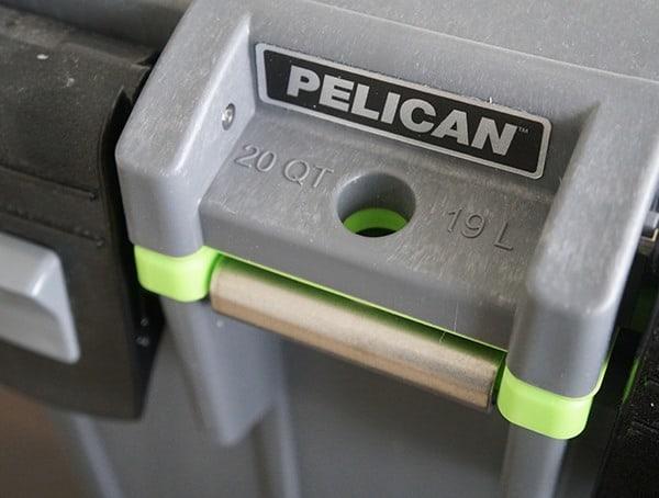 Locking Latch Cooler Pelican 20 Qt Elite