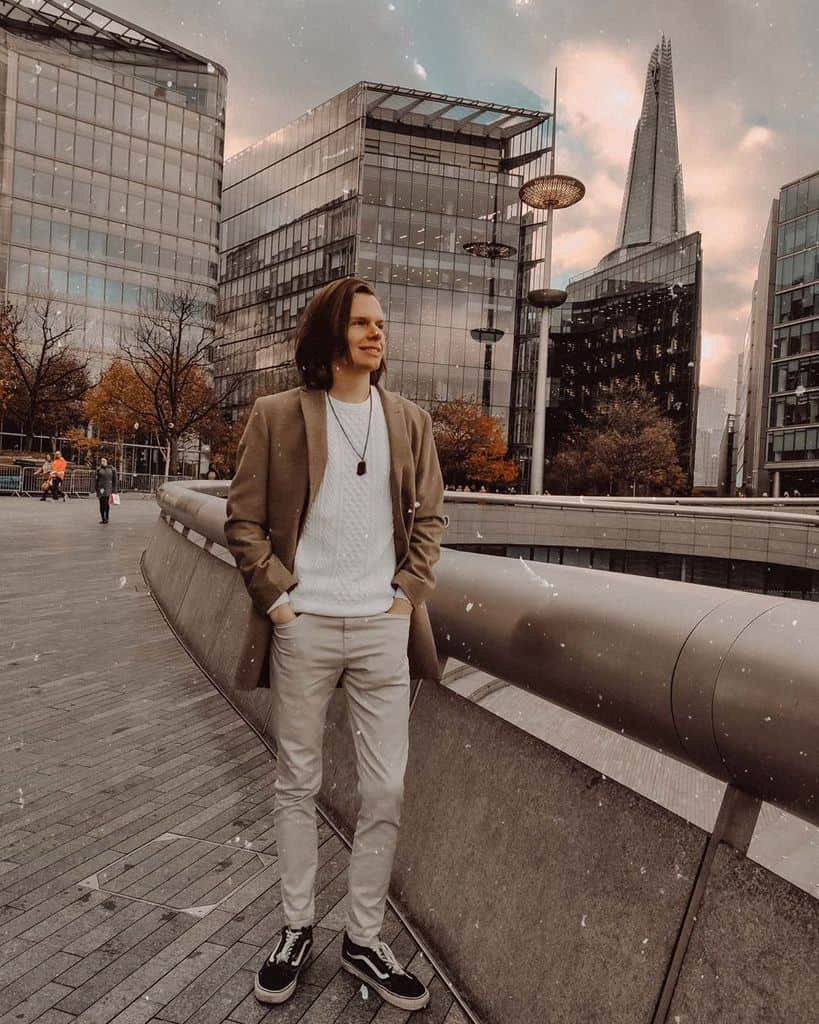 London Long Hair Men Style Fashion