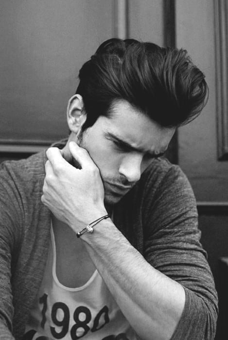 Cool Long Hair Haircuts For Guys 85