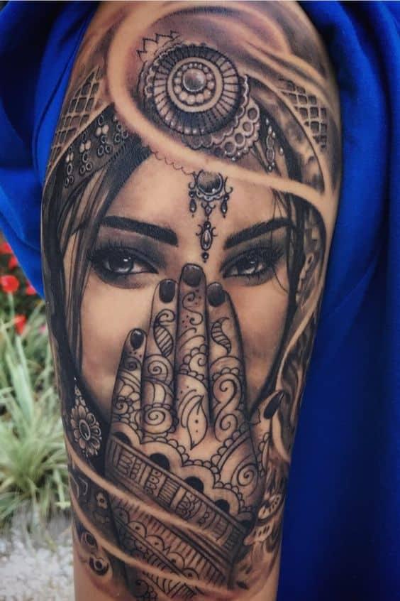 Belle belle gitane tatouage
