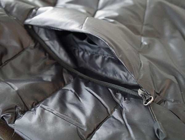 Lower Pocket Zipper Opened Mens Spyder Syrround Down Jacket
