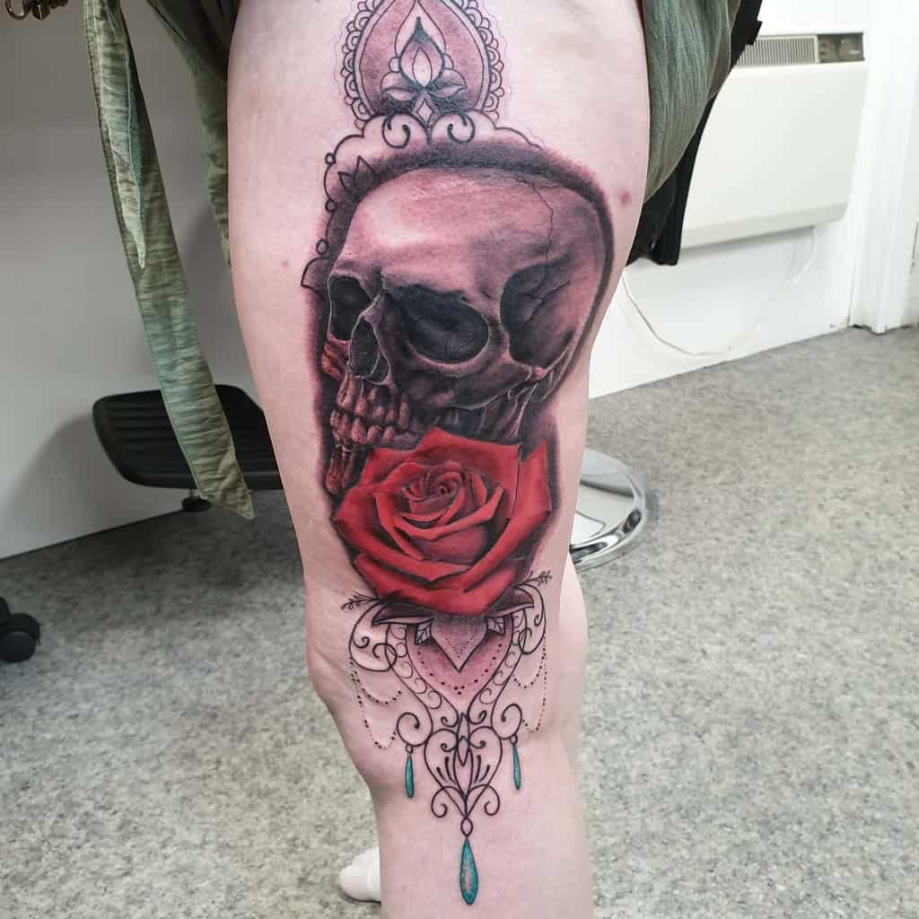 loyalty-inked-woman-skull-and-rose-tattoo-skin_bandits