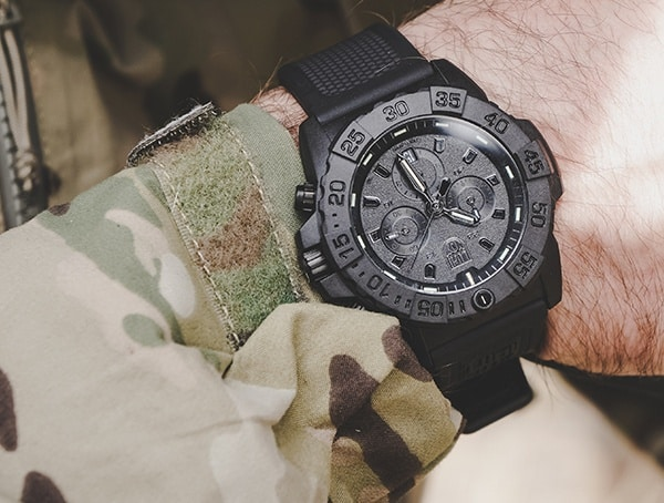 Luminox Mens Navy Seal Chronograph Watches Review