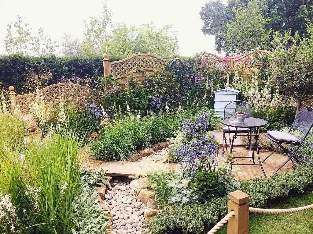 lush garden flower garden ideas landscape_josh