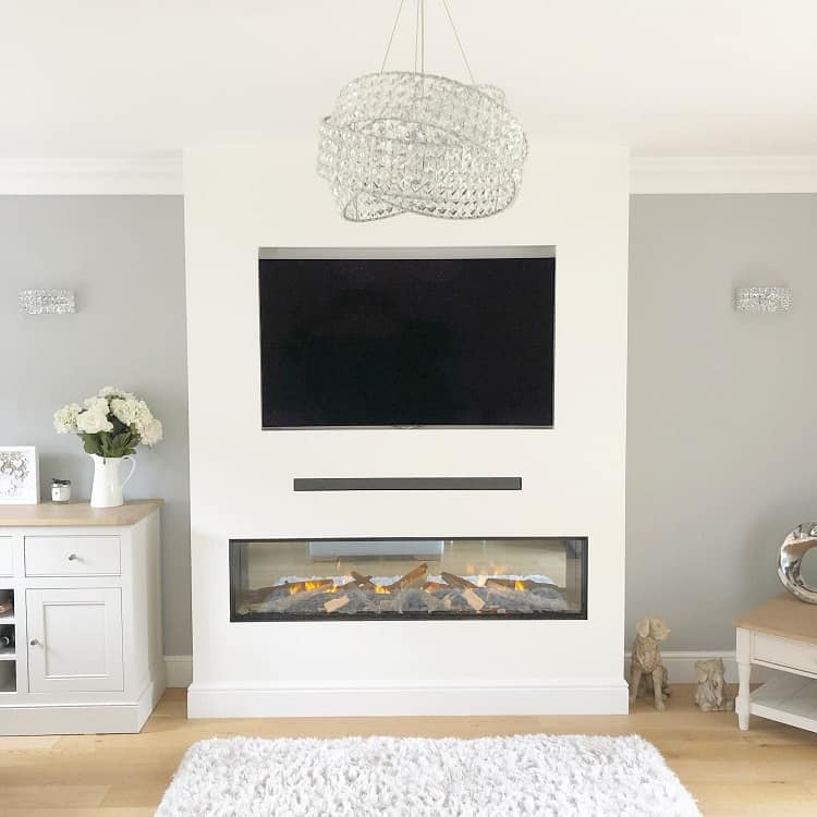 Luxurious White Fireplace Surround Mother Daughter.interiors