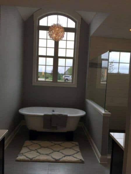 Luxury Home Master Bathroom Ideas With Chandelier Above Bathtub