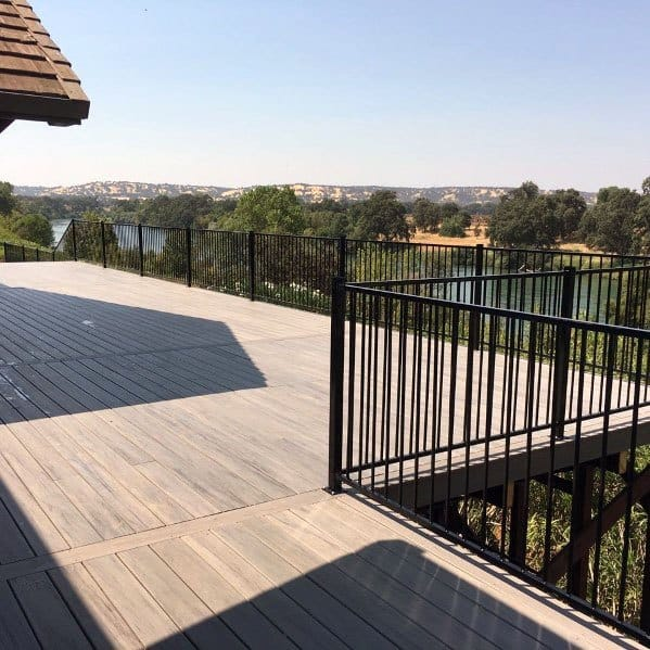 Luxury Metal Wood Deck Railing