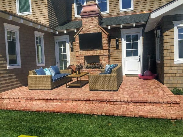 Magnificent Brick Patio Design Ideas With Fireplace