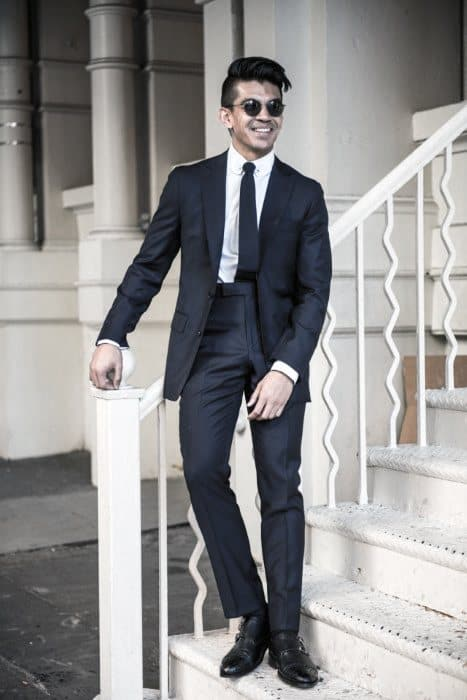 Male Fashion Ideas With Navy Blue Suit Black Shoes Style