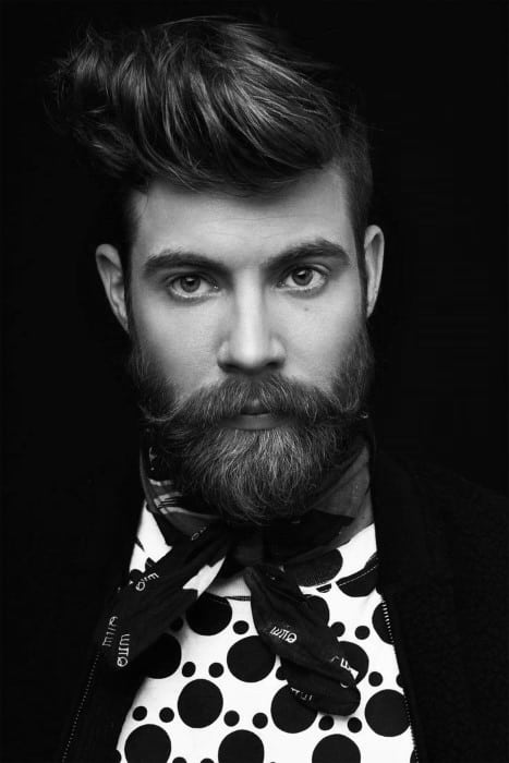 Male Short To Medium Hairstyles For Wavy Hair With Beards