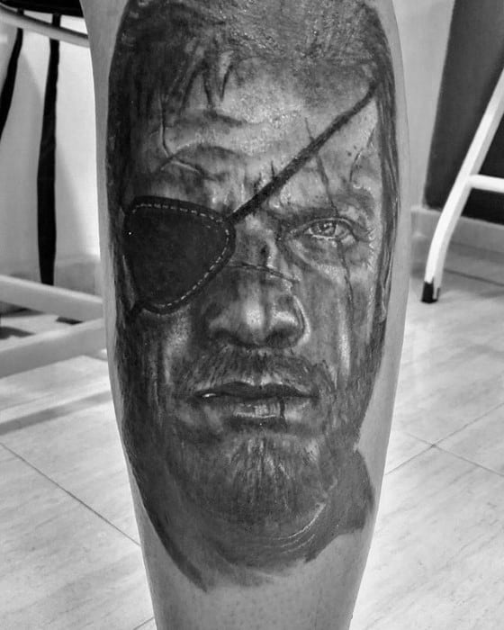 Male With Cool Metal Gear Tattoo Design Shaded Leg