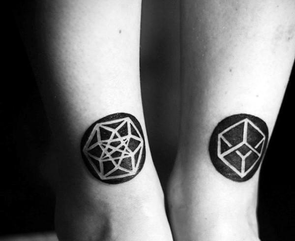 Male With Negative Space Shapes Circle Geometric 3d Tattoos On Legs