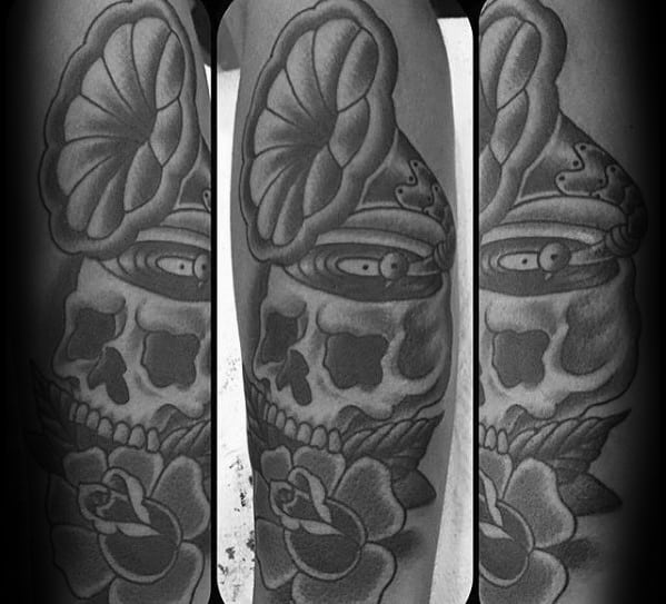 Male With Old School Traditional Cool Skull Vinyl Record Tattoo Design
