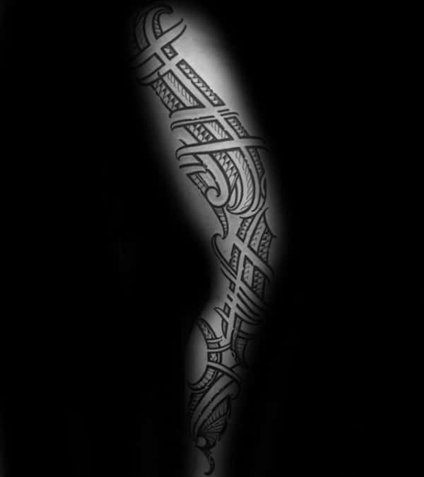 Male With Tribal Leg And Thigh Polynesian Tattoo
