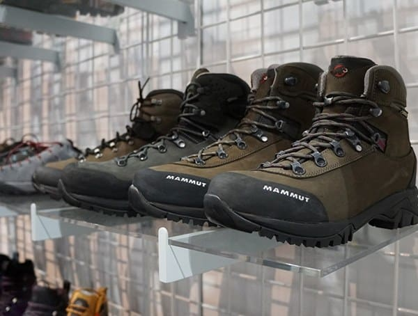 Mammut Mens Hiking Outdoor Boots Display