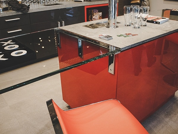 Man Cave Show Garage Bar New American Home 2019