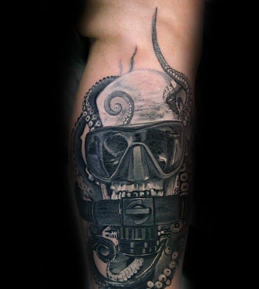 40 scuba diving tattoo designs for men diver ink ideas rh nextluxury com scuba steve tattoos scuba diver tattoos
