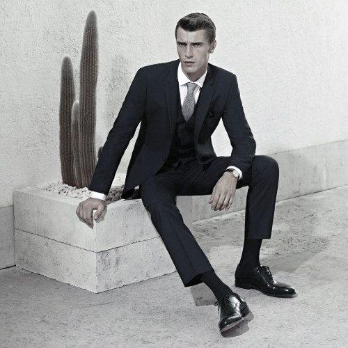 Masculine Black Suit Style Ideas For Men