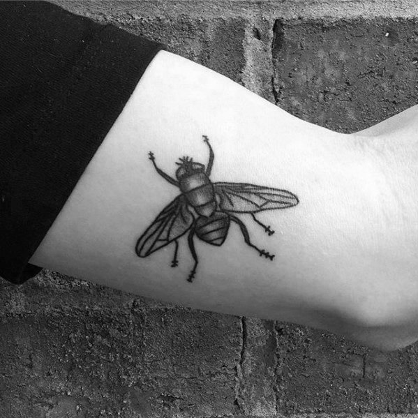 Masculine Fly Tattoos For Men
