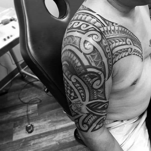 Masculine Tribal Male Polynesian Half Sleeve Tattoos