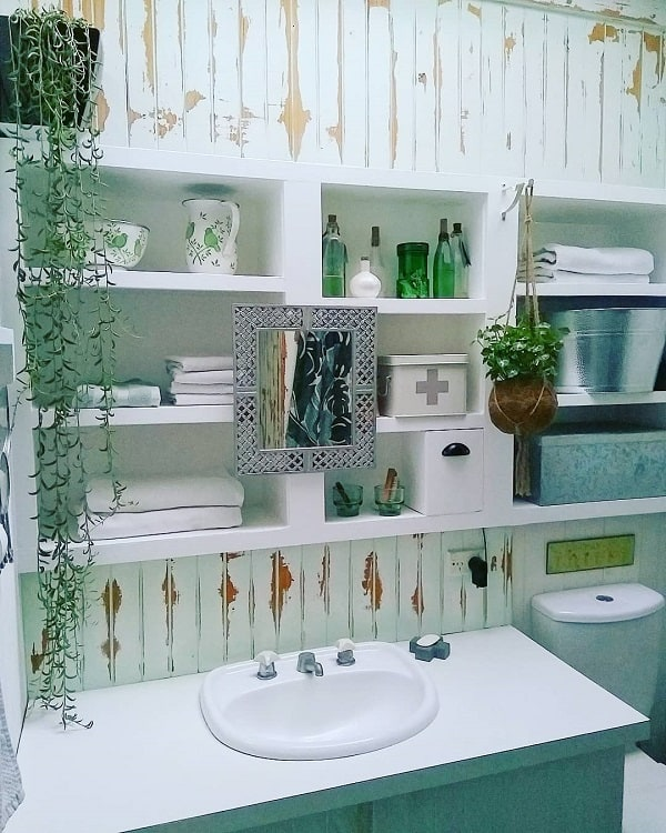 Maximalist Bathroom Recessed Shelves Bellwheeldesigns