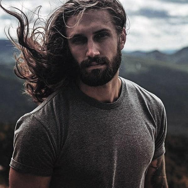 Medium Beard Style Idea On Man