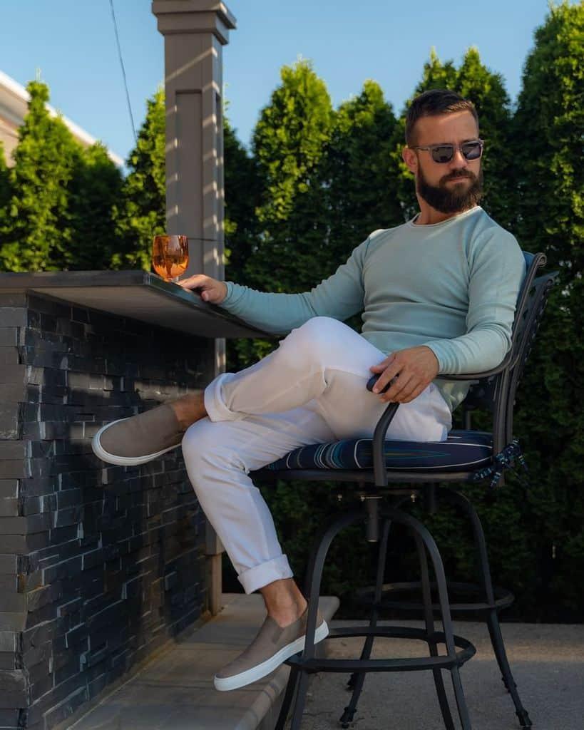 Hommes avec la mode de classe