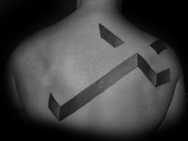 mens-3d-cross-tattoo-on-upper-back-with-simple-design