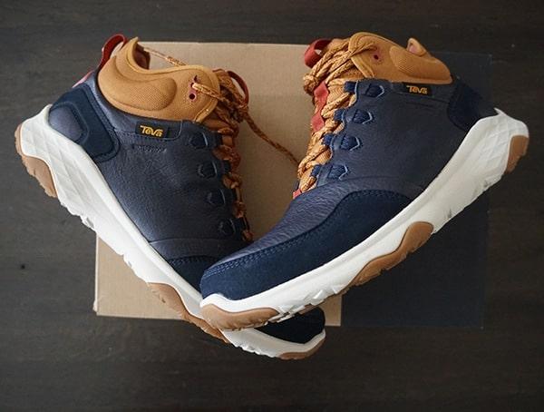 Mens Arrowood 2 Mid Waterproof Sneaker Boots