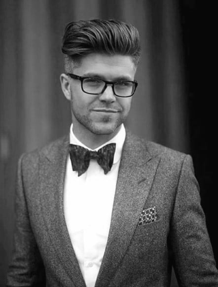 Mens Classy Haircuit With Suit Style